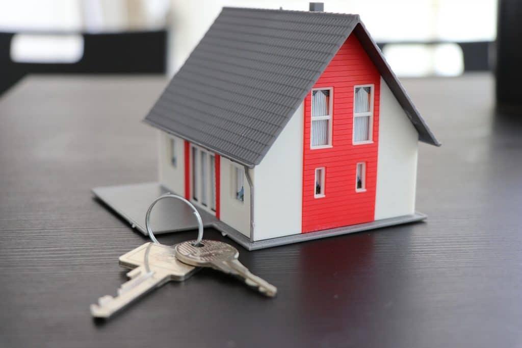 בית מדומה וצרור מפתחות